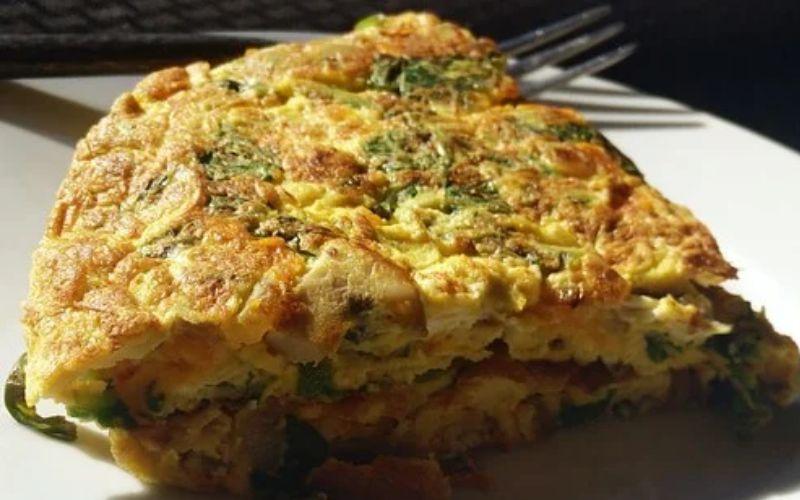 अंडे का आमलेट बनाये 5 मिनट में